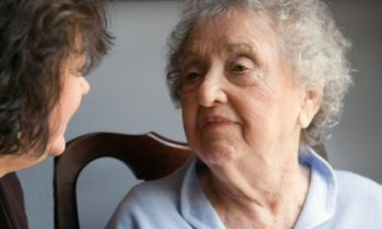 How to Handle Communication Difficulties with Seniors with Alzheimer's